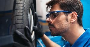 Entretien d'équipement motorisé - Service aux entreprises et à la communauté